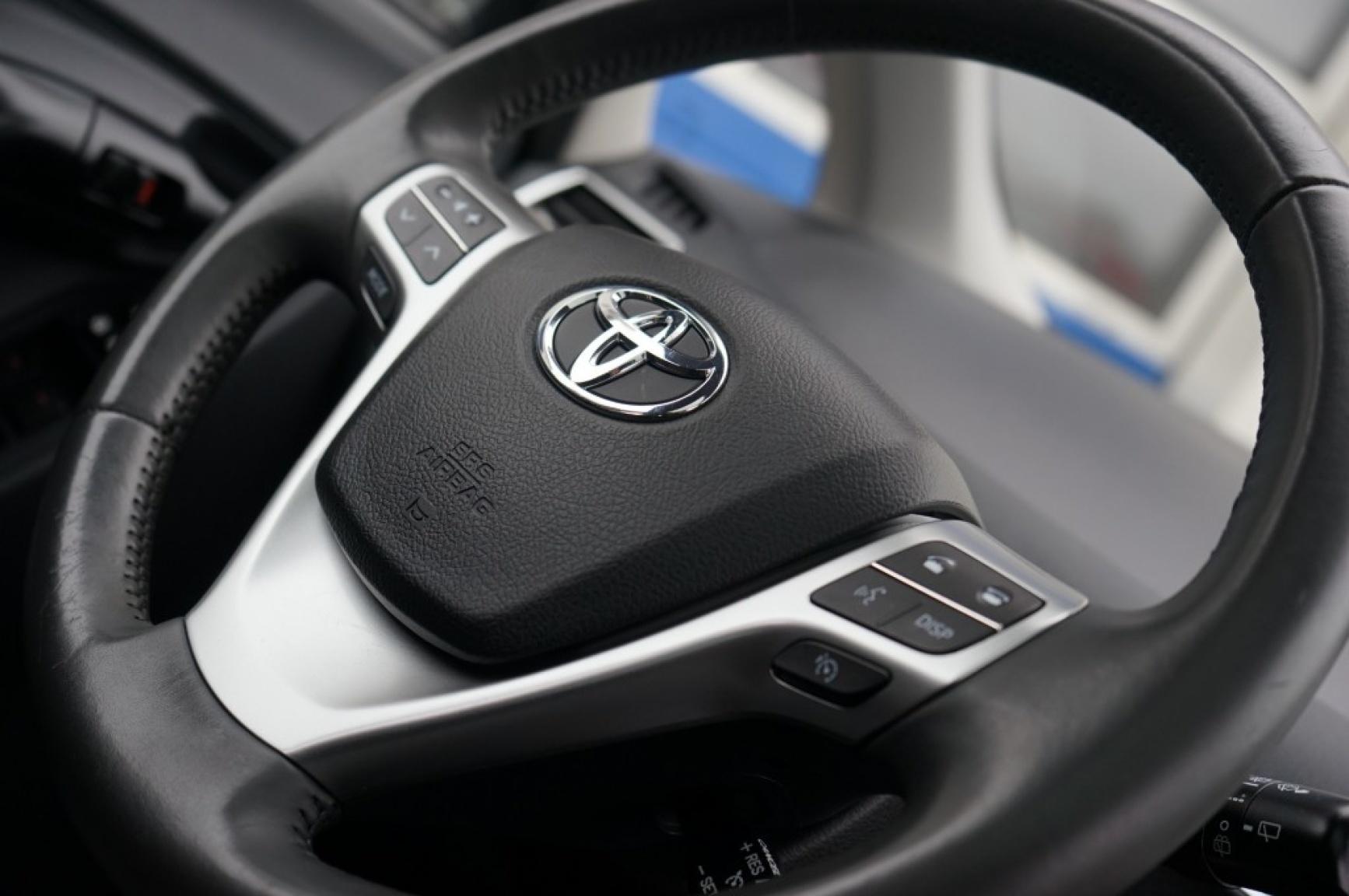 Toyota-Verso-24