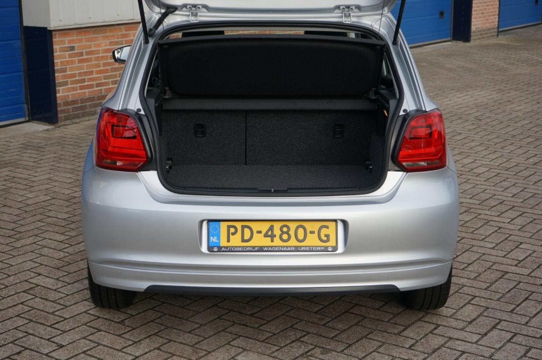 Volkswagen-Polo-43