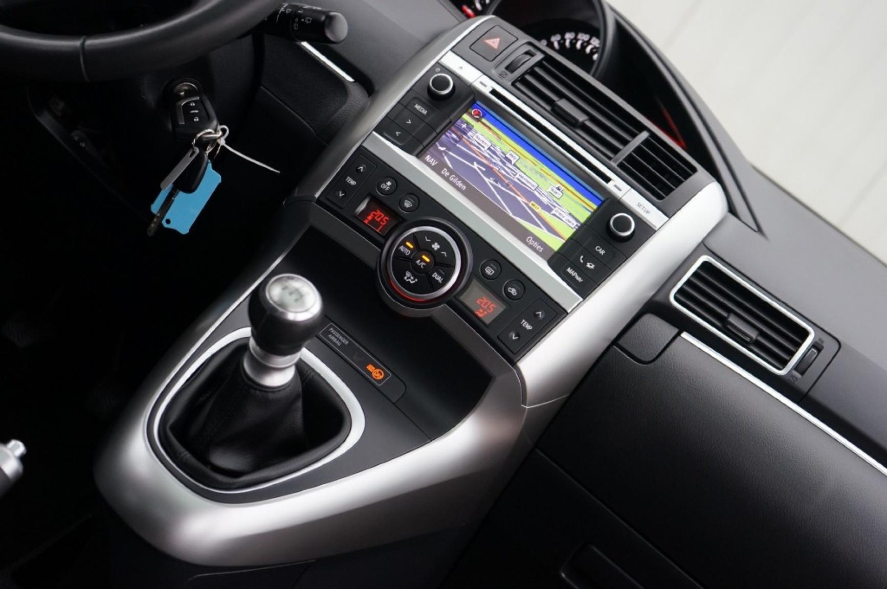Toyota-Verso-20