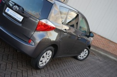 Toyota-Verso-s-49