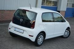 Volkswagen-Up-5
