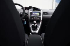 Toyota-Verso-18