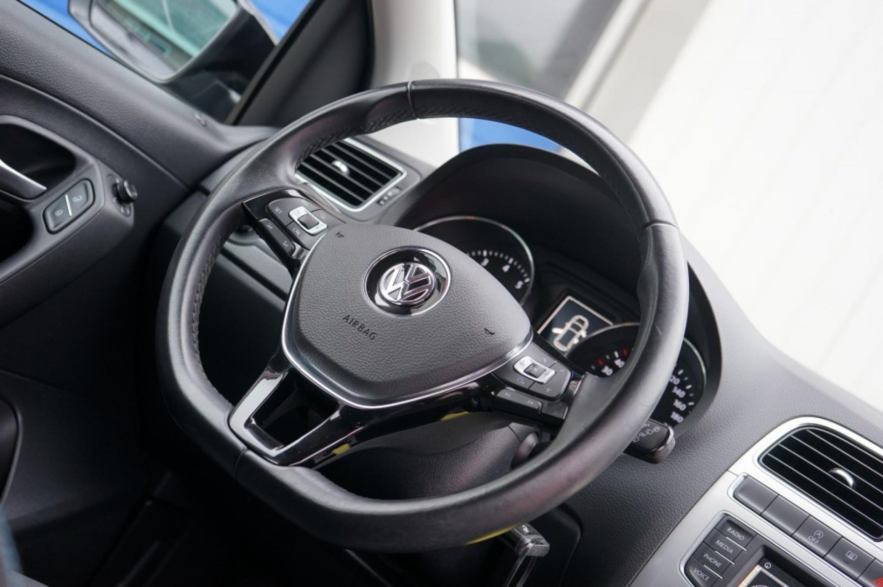 Volkswagen-Polo-25