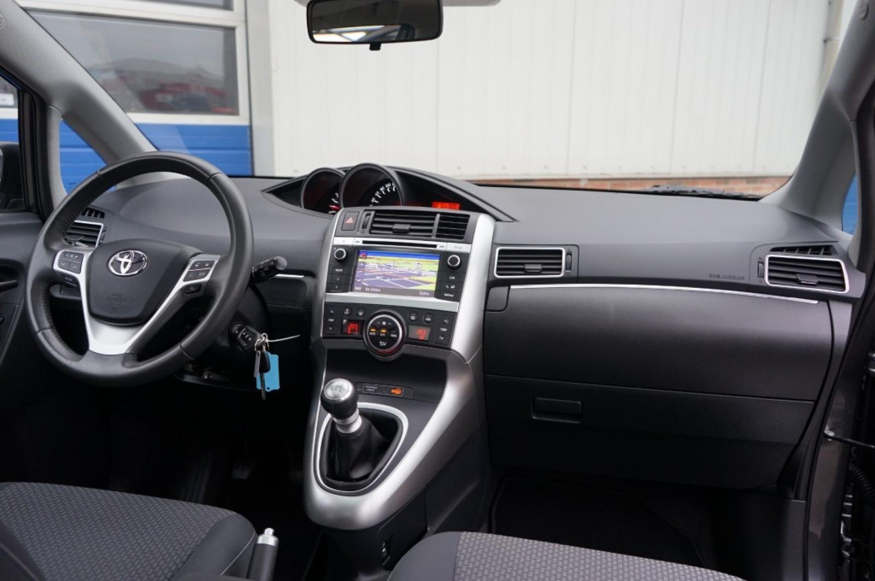 Toyota-Verso-19