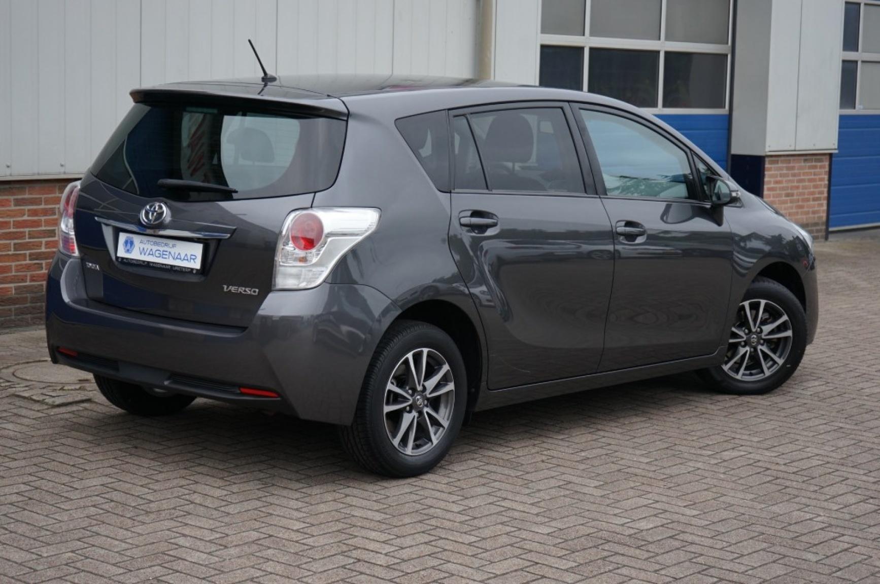 Toyota-Verso-5