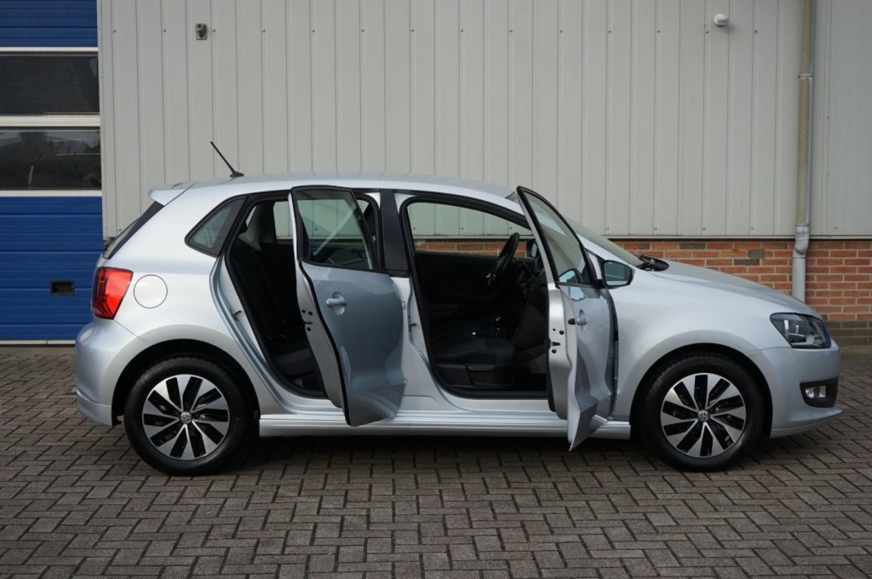 Volkswagen-Polo-40